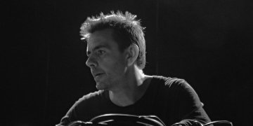 Watch Laurent Garnier's amazing live performance from 2002