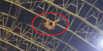 VIDEO: Festivalgoer Goes for a Dangerous Climb