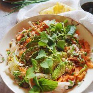 Salade Thaï au chou chinois, vinaigrette sucrée-salée