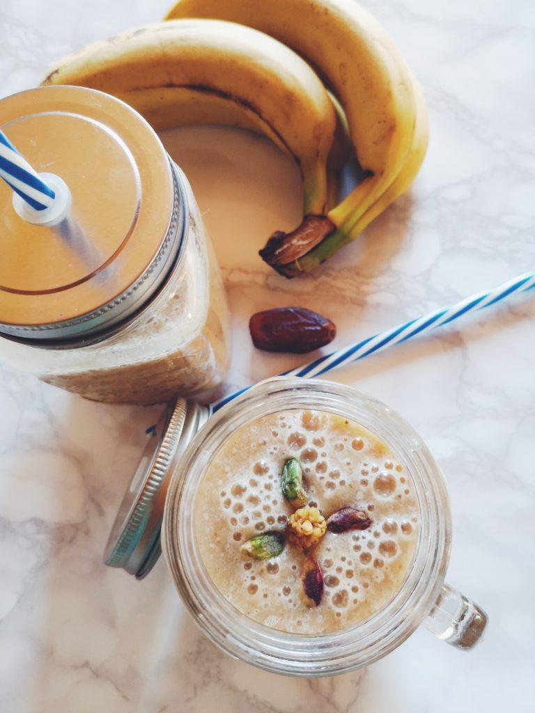 Smoothie aux bananes et aux dattes (sans lactose)