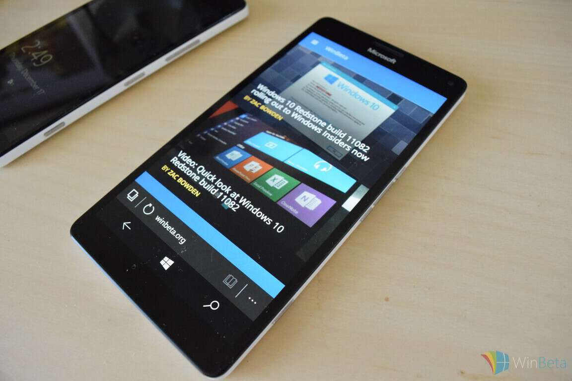 Lumia 950 XL Review XL front