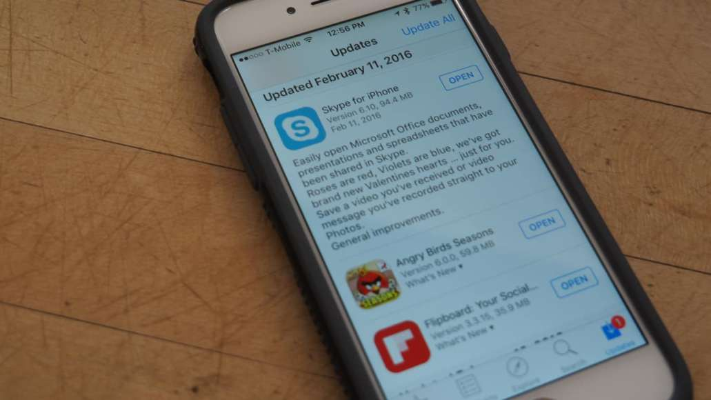 Skype for iOS updated with holiday video feature and more