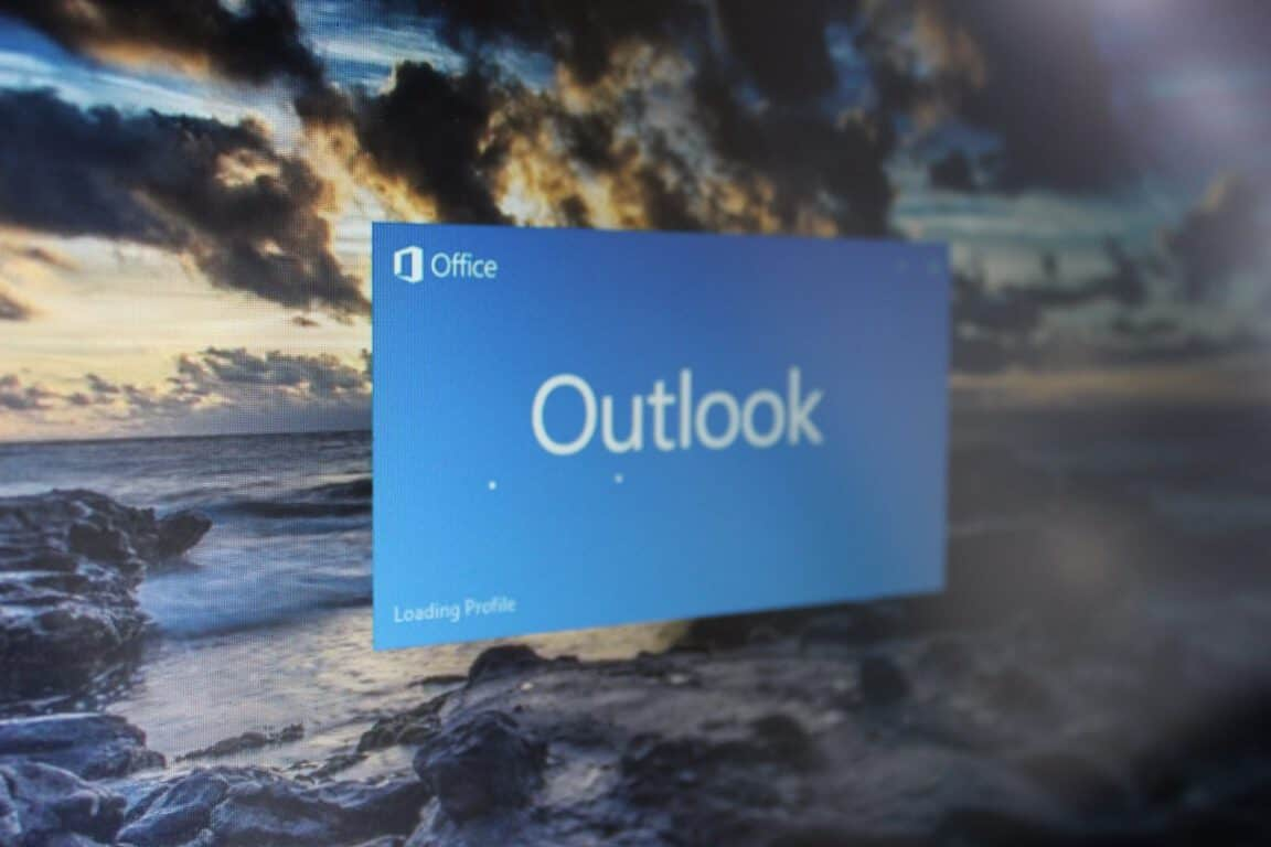 Outlook Windows 10