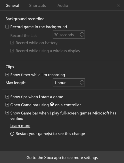 The Windows 10 Xbox app settings. Background recording is off by default.
