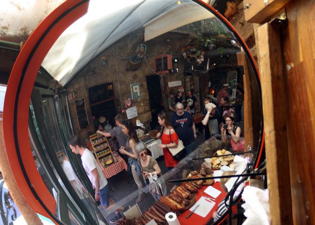 Reflecting on the Szimpla Kert Farmers Market