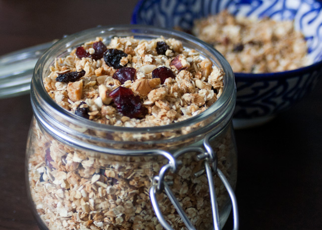 Crunchy, nutty granola recipe