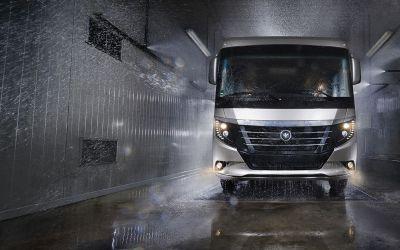 Autocaravanas, aluminio o fibra: pros y contras