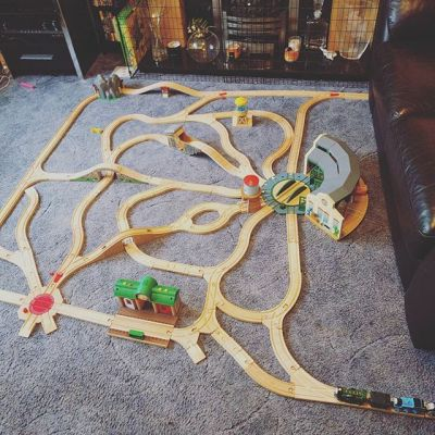 A complex layout using most of his track. Thanks Uncle C & Auntie H