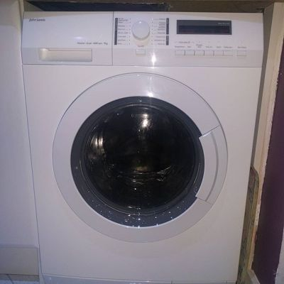 The final new appliance in our kitchen. Washer-dryer - saying goodbye to our Siemens washer that has given us 10.5 years sterling service with nothing being done to it.