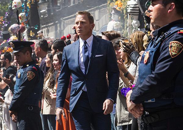 Bond (Daniel Craig)