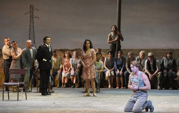 Vincent-Pontet---Opera-national-de-Paris-L-Elisir-d-amore-15-16--c--Vincent-Pontet---OnP--15--1600