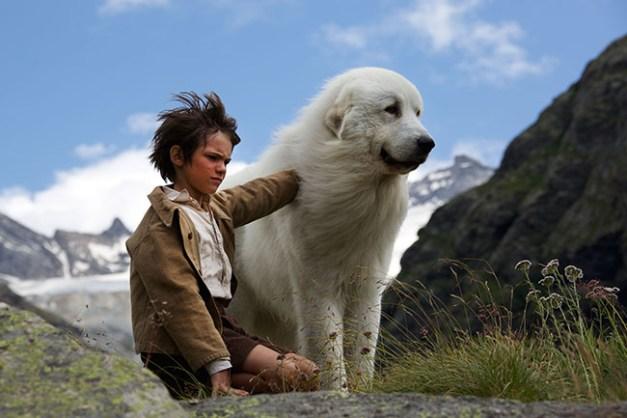 Film Belle et Sébastien, l'aventure continu... Réalisé par Christian DUGAY. B & S font de la luge. L'Écot - 12/08/2014