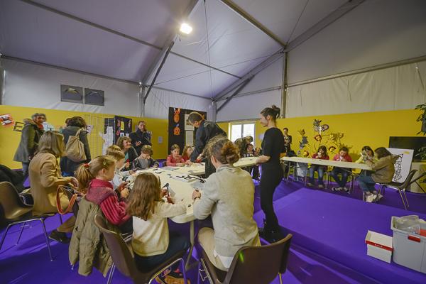 Espace jeunesse Lire +á Limoges2013 (1)
