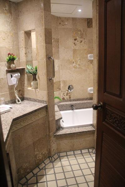bathroom one bedroom suite