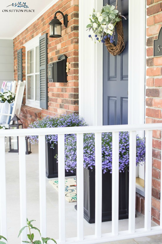 Sytlish Small Front Porch Ideas For Summer On Sutton Place