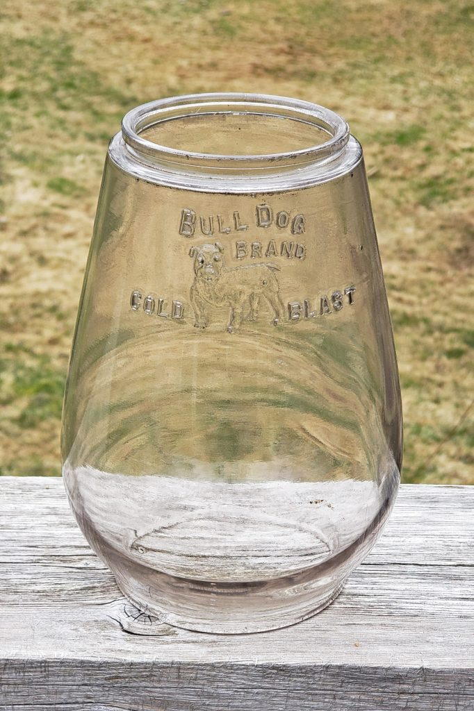 Bull Dog Globe 2