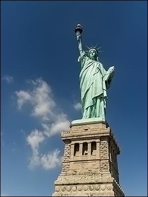 Afbeeldingsresultaat voor amerika vrijheidsbeeld