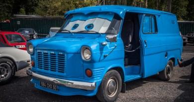 Des voitures anciennes exposées à Chevrières