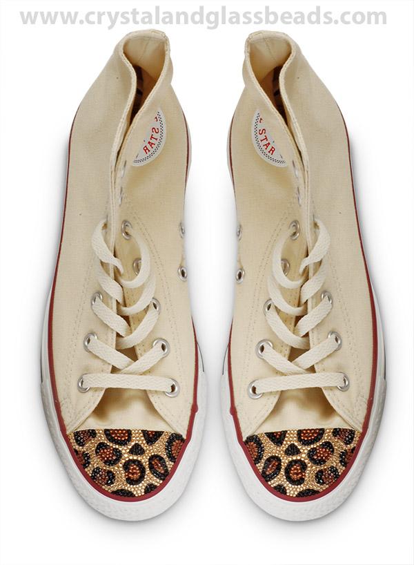 كيف تضيفين تصميم الليبورد ( الفهد المنقط ) بكريستالات ملونة على حذائك ! (2)