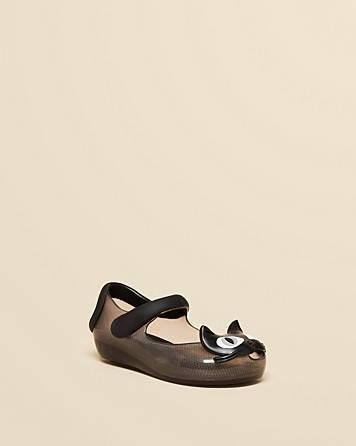 أحذية القطط
