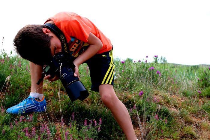 طفل عمره 9 أعوام يفوز بلقب أفضل مصور للحياة البرية ! (10)