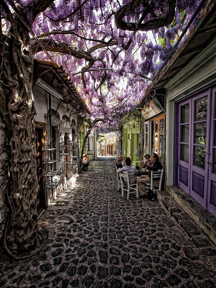 شارع موليفوس يوسفوس في اليونان