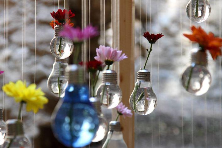 مزهريات باستخدام لمبات ضوء