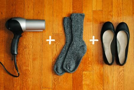إرتداء الجوارب ثم الحذاء