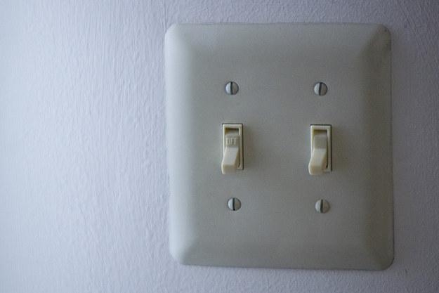 اغطية اللوحات الكهربائية