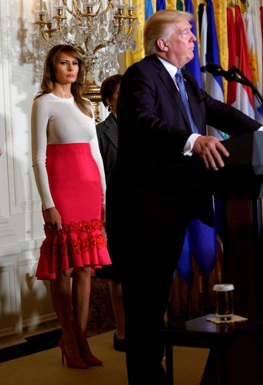 ميلانا ترامب بإطلالة غير موفقة تثير الكثير من الإنتقادات
