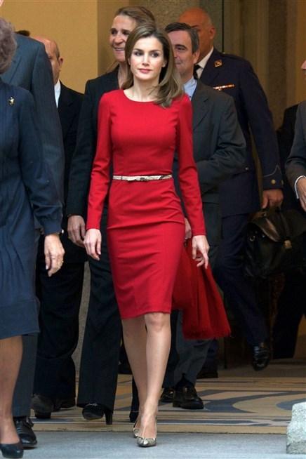 أستوحي اطلالاتك بطابعها الرسمي من ملكة اسبانيا ليتيزيا