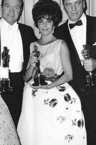 أجمل إطلالات النجمات في حفل جوائز الأوسكار على مدار السنين