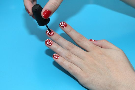 550px-Paint-Polka-Dot-Nails-with-a-Toothpick-Step-8
