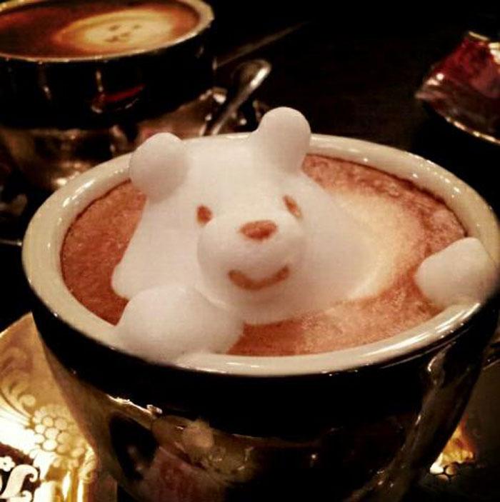 ياباني Kazuki Yamamoto مبدع في الرسم على القهوة