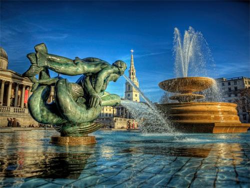 Fountains in Trafalgar Sqaure