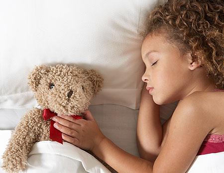 كيف تُنمّين عادات نوم جيدة لطفلك؟