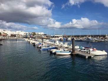_Puerto-del-Carmen-old-town-to-Puerto-Calero-1