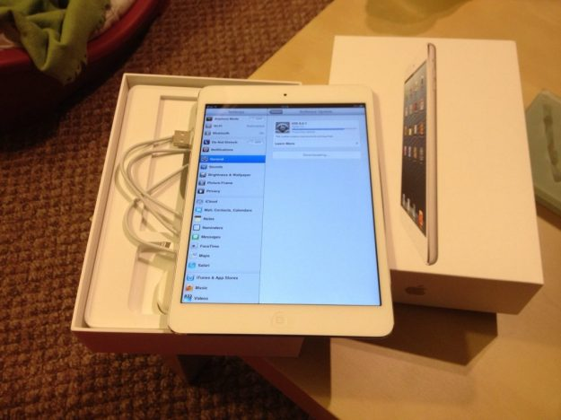 iPad Mini Unboxed