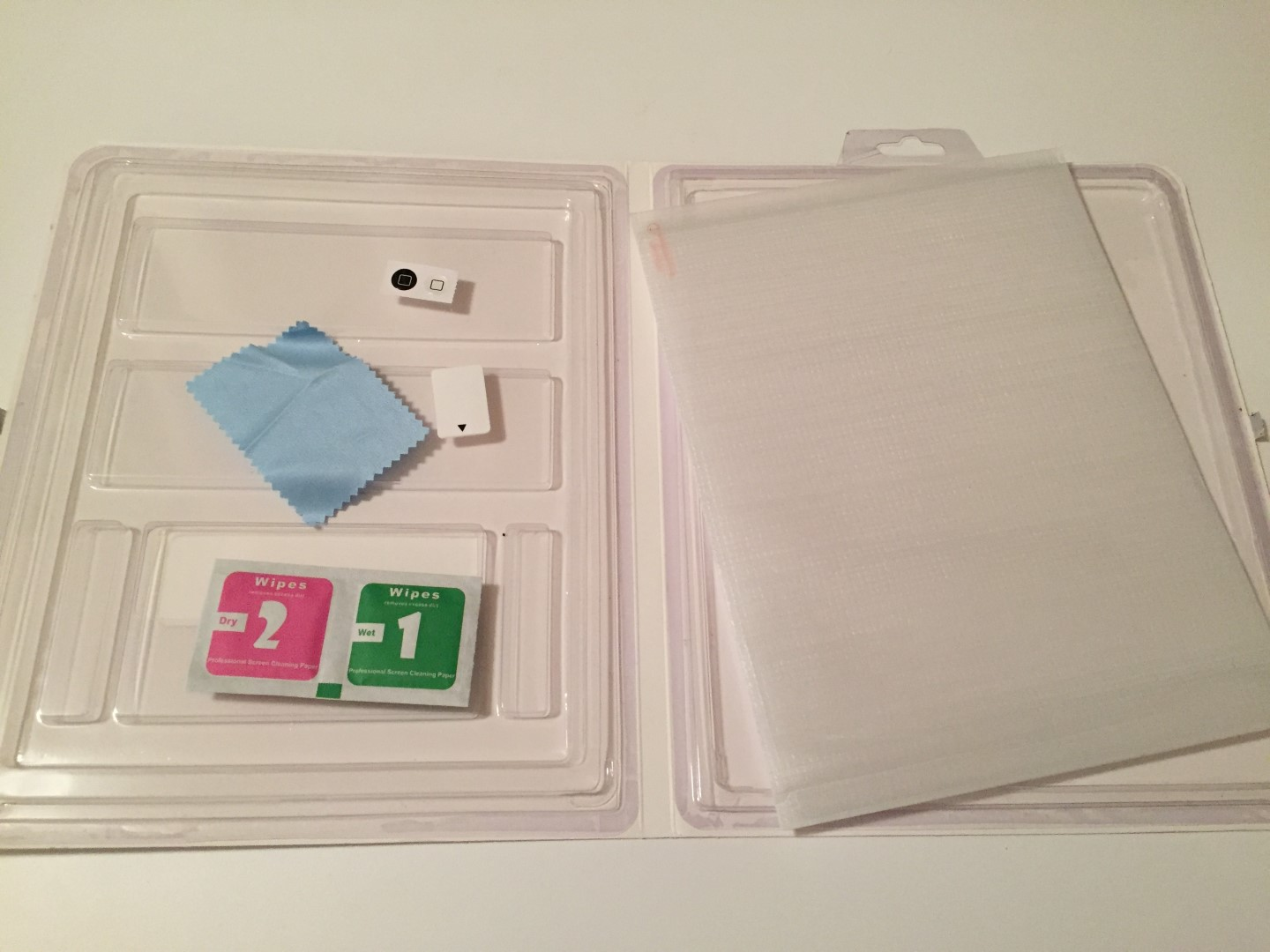 iPad Screen Protector package contents