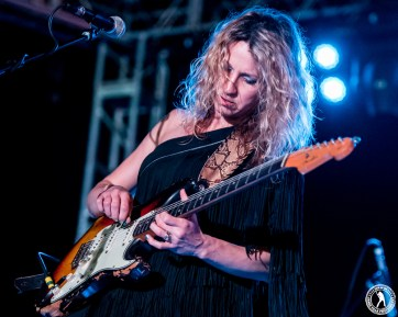 Ana Popovic (Gas Monkey Bar & Grill - Dallas, TX) 4/22/16 ©2016 James Villa Photography, All Rights Reserved