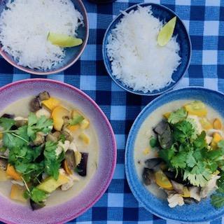 Groene curry met rijst