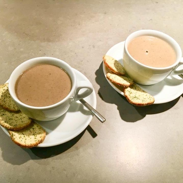 Soepje van eekhoorntjesbrood en kastanje-champignons