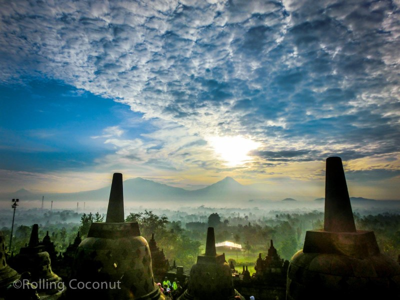 Photo Sunrise Mountain Borobudur Yogyakarta Indonesia Ooaworld