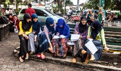 Photo Working Students Yogyakarta Indonesia Ooaworld