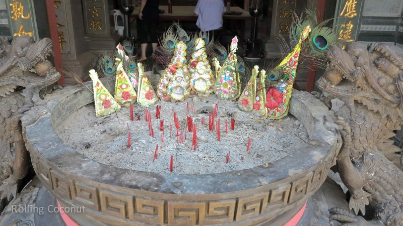 Incense Temple Vientiane Laos Rolling Coconut Ooaworld Photo Ooaworld