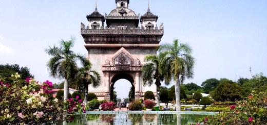 Patuxai Vientiane Laos Rolling Coconut Ooaworld Photo Ooaworld