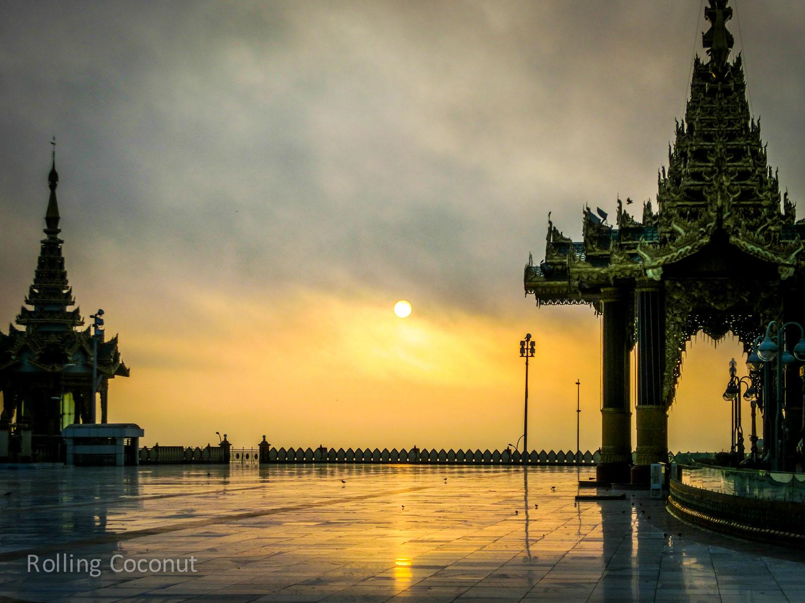 Myanmar Itinerary Uppatasanti Pagoda Sunrise Rolling Coconut Ooaworld Photo Ooaworld