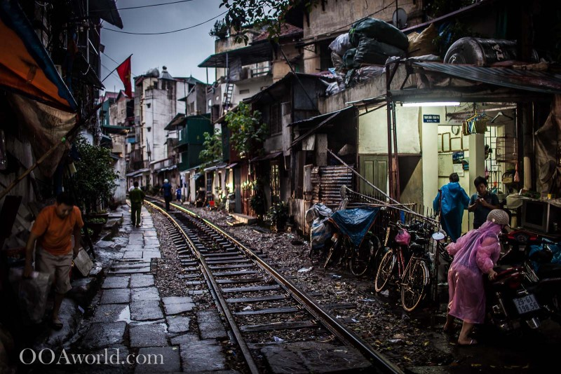 Hanoi Railway Tracks Vietnam Photo Ooaworld
