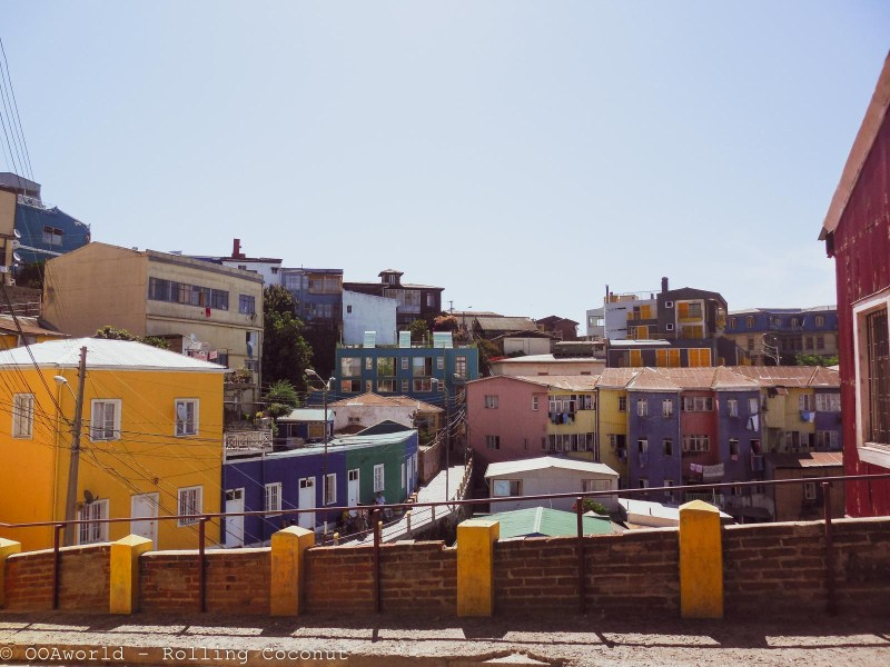 Colorful homes Valparaiso, Chile - OOAworld Rolling Coconut