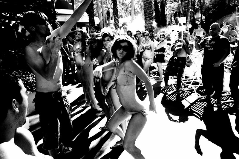 Photos LasVegas Strip Pool Part Booty contest